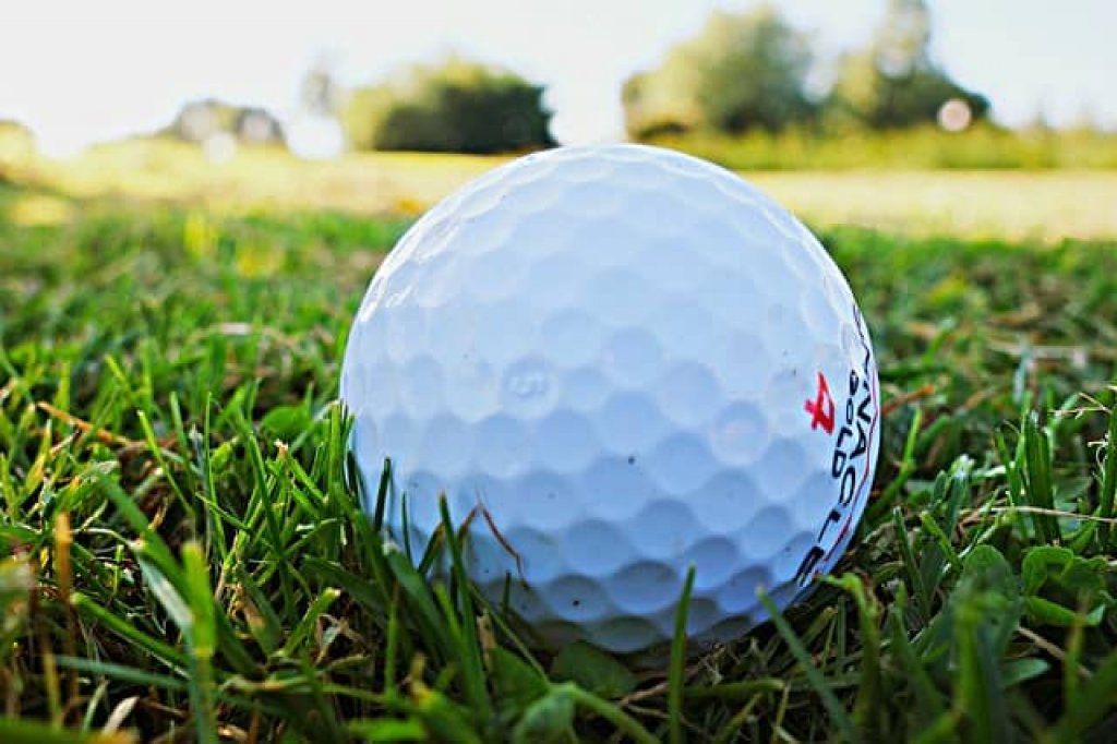 BEST GOLF BALLS TO CURE A SLICE