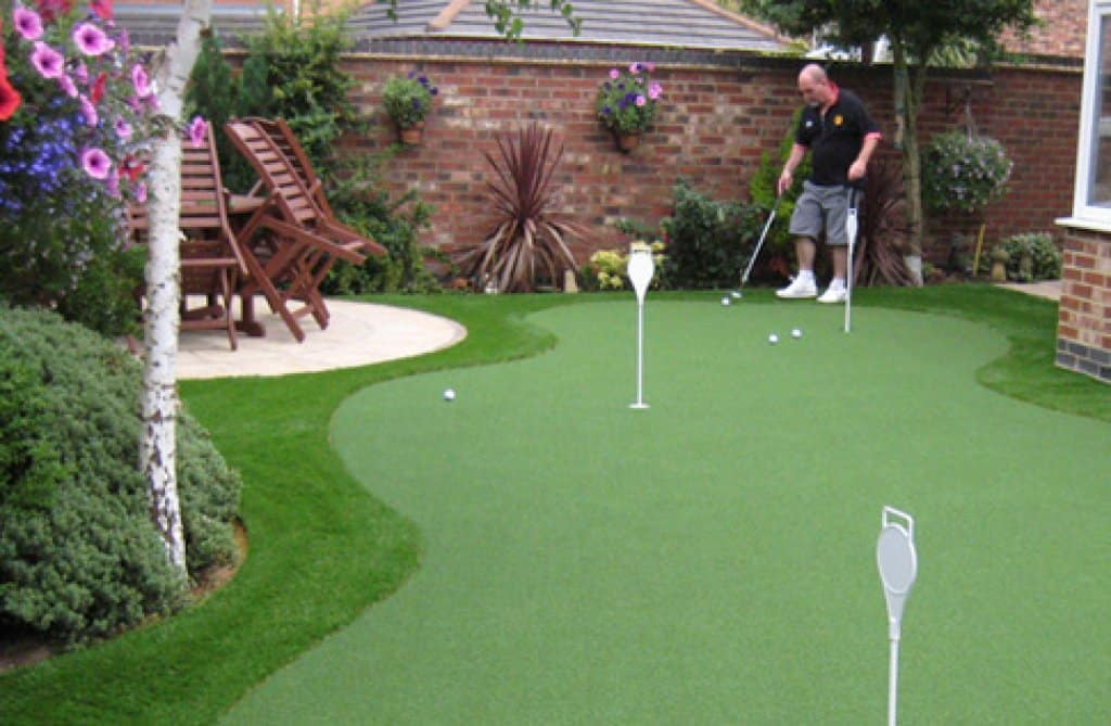 How To Practice Golf In The Back Yard