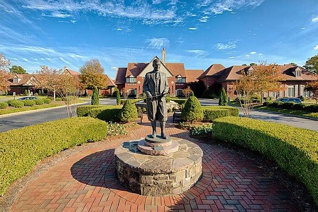 Bobby Jones statue